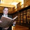 Une bibliothèque détroussée par son propre directeur